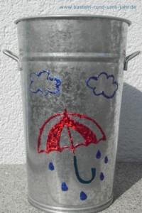 Schirmstaender aus Metall mit Motiven bedrucken - Regenschirm und Wolke