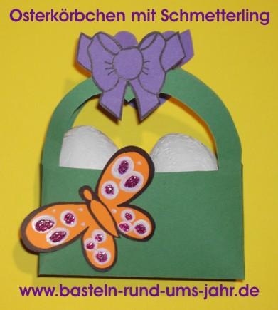 Osterkörbchen aus Tonpapier mit Schmetterling und Schleife für kleine Kinder.
