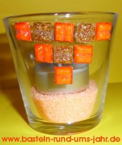 Tee-Lichterglas mit Mosaiksteinen verziert