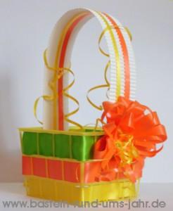 Osterkörbchen in Frühlingsfarben - Recycling basteln