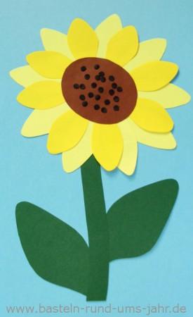 Sonnenblume aus buntem Tonpapier basteln