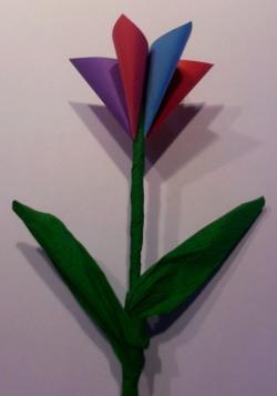 Bunte Blume mit Kindern basteln