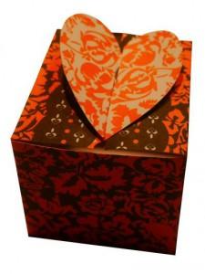 Schachtel mit Herz zum Valentinstag