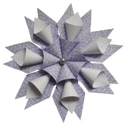 tessa stern anleitung zum weihnachtsstern basteln rund. Black Bedroom Furniture Sets. Home Design Ideas