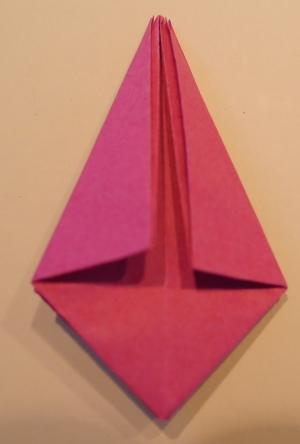 Tulpe aus Papier falten 19