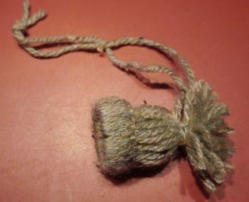 Kleine Mütze als Winterdekoration, Winterdeko, Wolle
