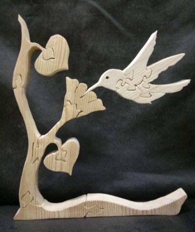 Puzzle aus Holz sägen – Kolibri mit Blume und Baum