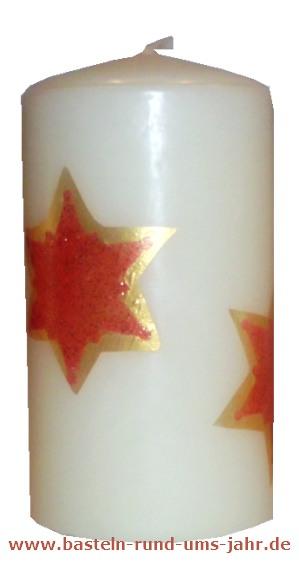 Kerze zu Weihnachten mit Sternen verzieren