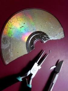 CD krakelieren und zuschneiden