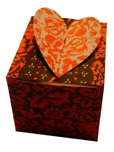 schachtel mit herz zum valentinstag basteln rund ums jahr. Black Bedroom Furniture Sets. Home Design Ideas