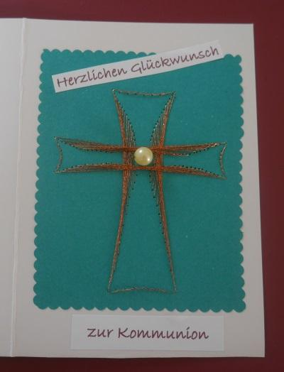 Glückwunschkarte zur Kommunion – ein Kreuz aus Fadengrafik