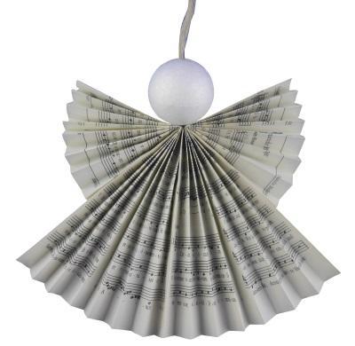 Magischen Schutzengel aus Gesangbuchseiten basteln – Recycling für das Gotteslob