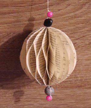 Wabenball basteln aus Gotteslobseiten Ø ca. 8cm, Gesangbuch Recycling