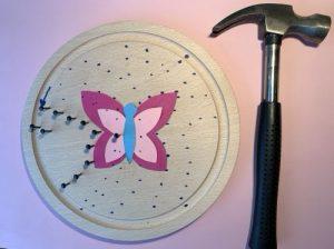 Murmelbahn mit Schmetterling